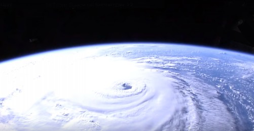 Huracan Florence llega a la costa este de EUA