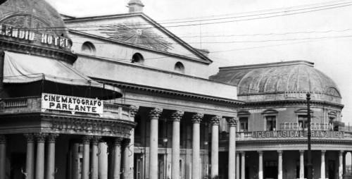 Teatros en Uruguay