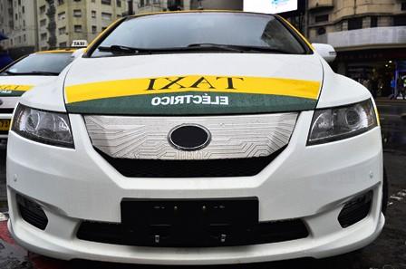 Arribó importación de vehículos para taxis eléctricos