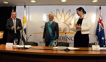 "Universidad australiana Deakin otorgó título ""honoris causa"" al presidente Tabaré Vázquez"