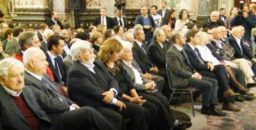 Partidos políticos uruguayos firmaron compromiso contra generación y difusión de noticias falsas