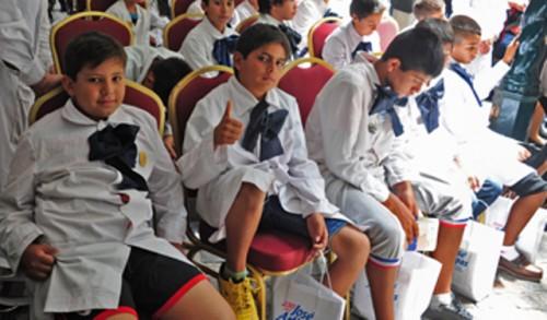 Unos 200.000 alumnos de escuelas públicas aprenden idiomas en forma curricular