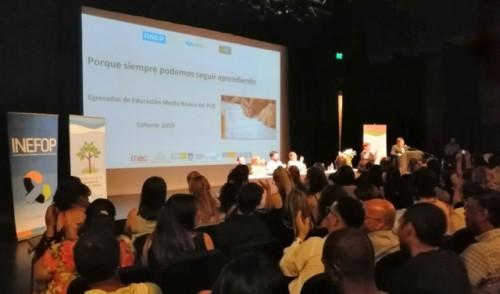 Más de 28.000 personas culminaron ciclo básico y bachillerato en la última década mediante Uruguay Estudia