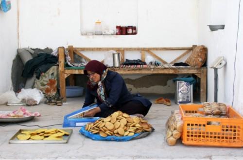 La elaboración de galletas cambia la vida de las mujeres rurales en Irán