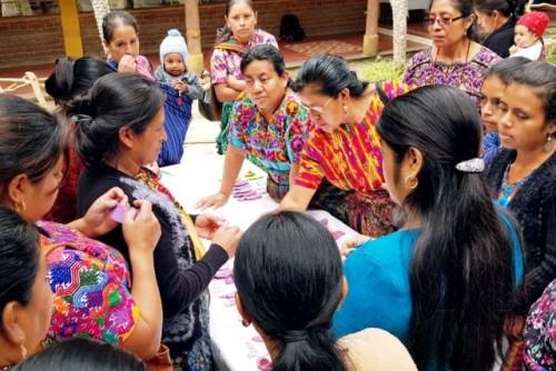"""En Guatemala, invertir en el empoderamiento económico de las mujeres indígenas es clave para """"reconstruir mejor"""" post-Covid"""