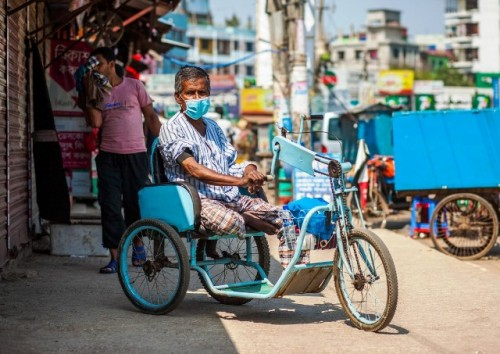 La Renta Básica Temporal para proteger a las personas más pobres del mundo podría frenar el aumento de casos de COVID-19, dice el PNUD