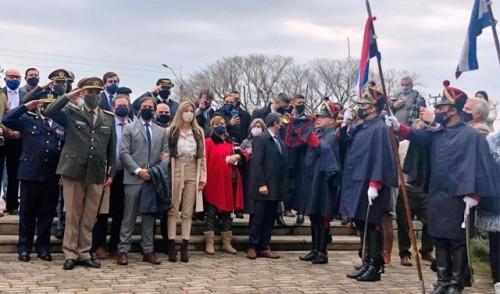 Lacalle Pou participó de acto por el 195.° aniversario de la Declaratoria de la Independencia