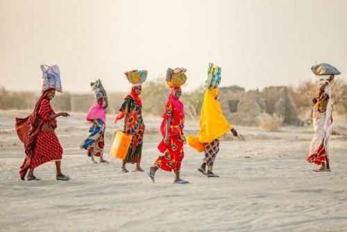 COVID-19 ampliará la brecha de pobreza entre mujeres y hombres, según los nuevos datos de ONU Mujeres y el PNUD