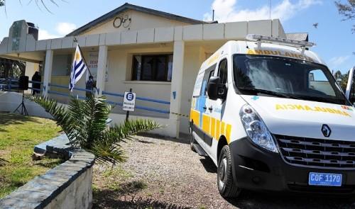 Presidente de la República entregó ambulancia en policlínica de Lascano