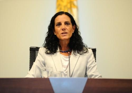 Ministra Arbeleche afirmó que apoyo económico a pandemia no impidió cumplimiento de previsiones fiscales