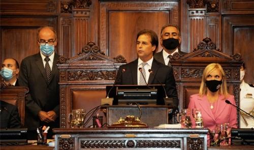 Presidente de la República Lacalle Pou realiza un balance del primer año de gobierno ante el Parlamento Nacional