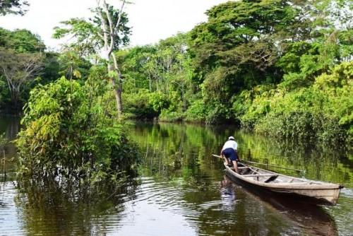 Rodeada de fuentes hídricas, pero sin agua potable, la ironía del Amazonas