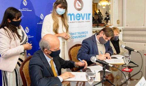 Cooperación entre Ministerio de Defensa y Mevir posibilitará beneficios en vivienda e infraestructura comunitaria